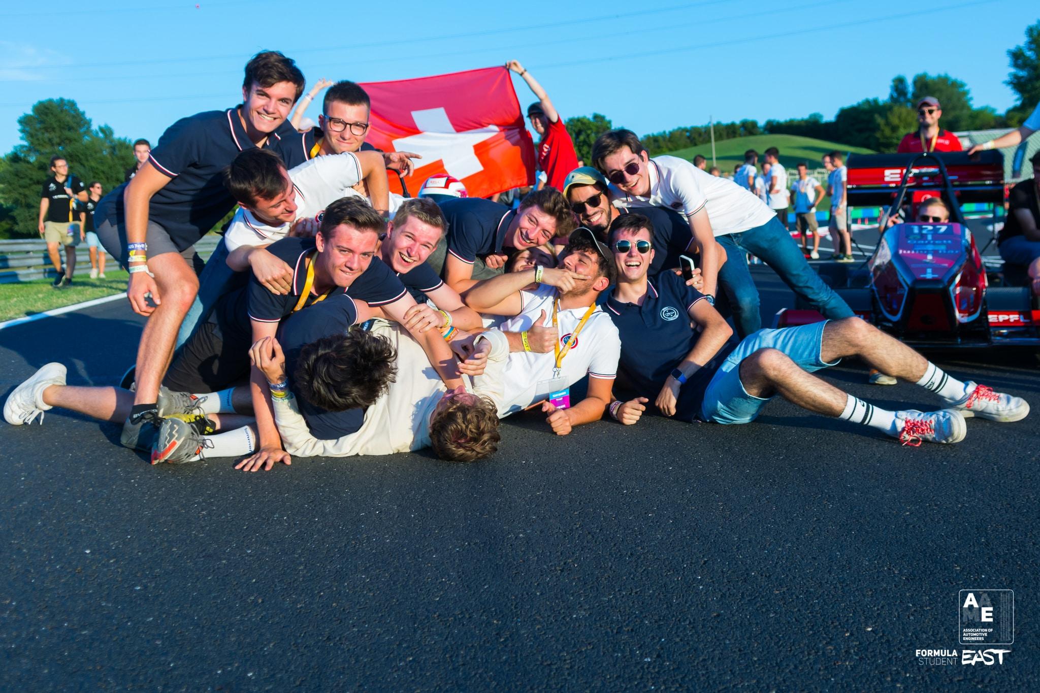 Photo de l'EFT en compétition le dernier jours sur le circuit du Hungaroring